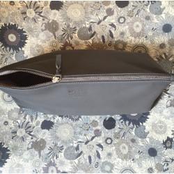 Stor læderpung til puslesager eller toilettaske